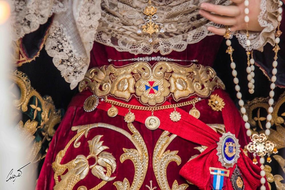 Las 70 hermandades de penitencia de Sevilla muestran por primera vez su patrimonio en una gran exposición